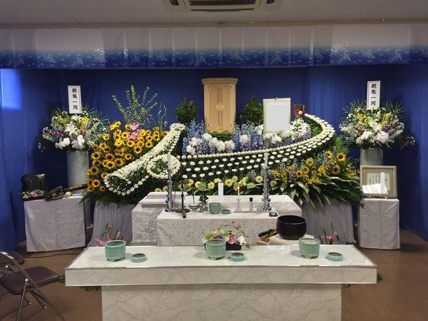 お花や祭壇の設置例のご紹介